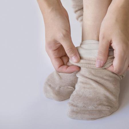 冷えとり靴下,絹の靴下,シルクソックス,冷えとり,冷えとりコーデ,通販